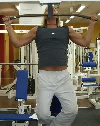 Übung: Klimmzüge zur Brust