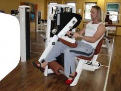 Übung: Beinbeuger sitzend