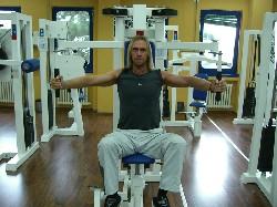 Übung: Brustcrosser